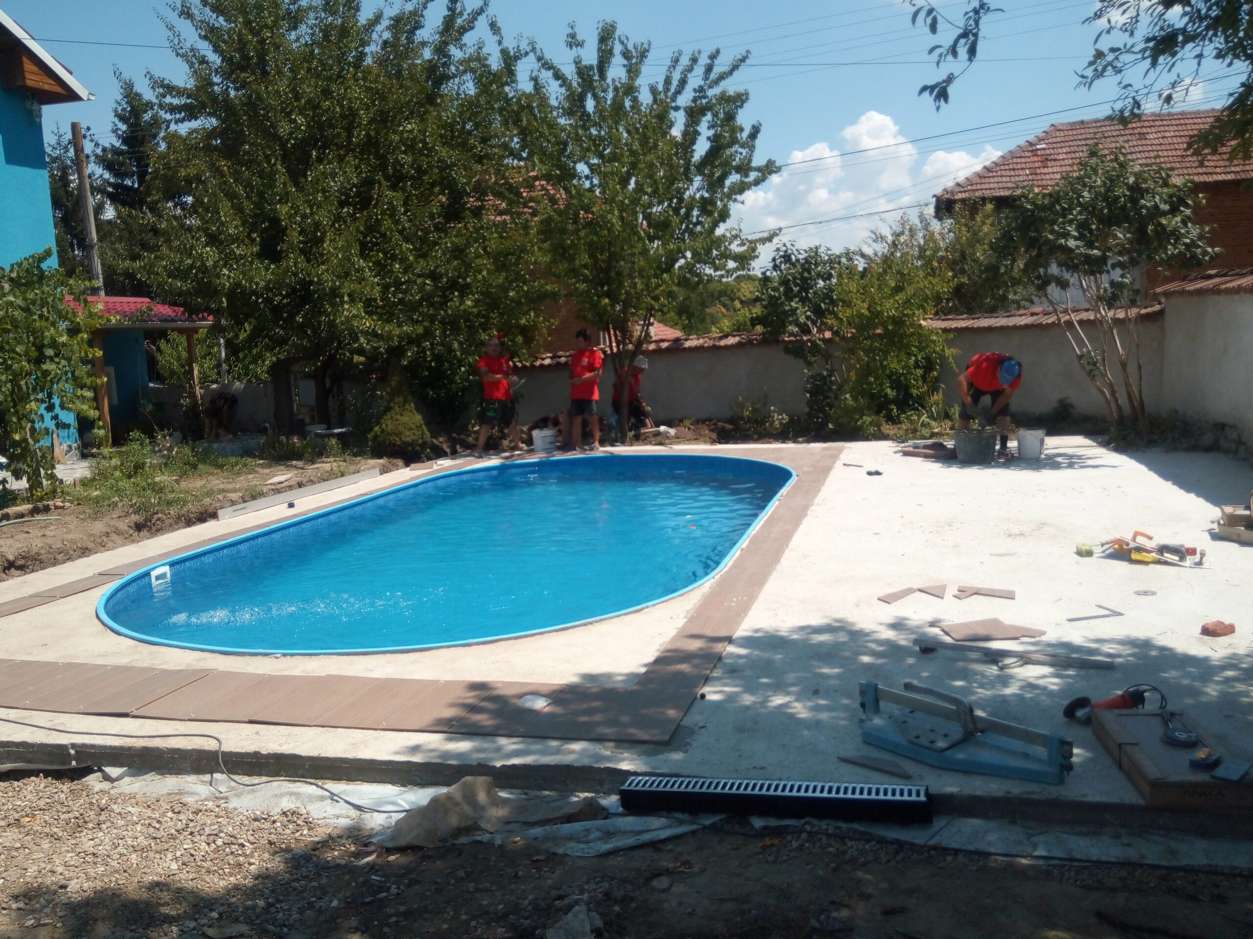 груб строеж басейн
